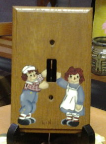 RAGGEDY ANN AND ANDY WALL PLATE HAND PAINTED
