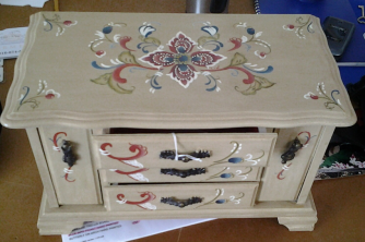 ROSEMAILING JEWELRY BOX HAND PAINTED